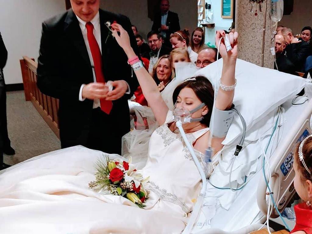 """Heather lutou contra o cancro até casar. Morreu 18 horas depois de dizer o """"sim"""""""