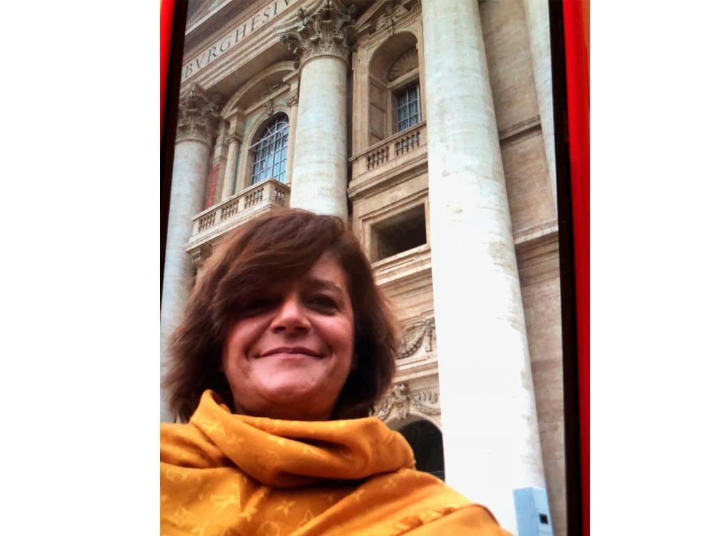 Júlia em Roma Basílica de São Pedro... em dia especial... O Papa está quase a chegar