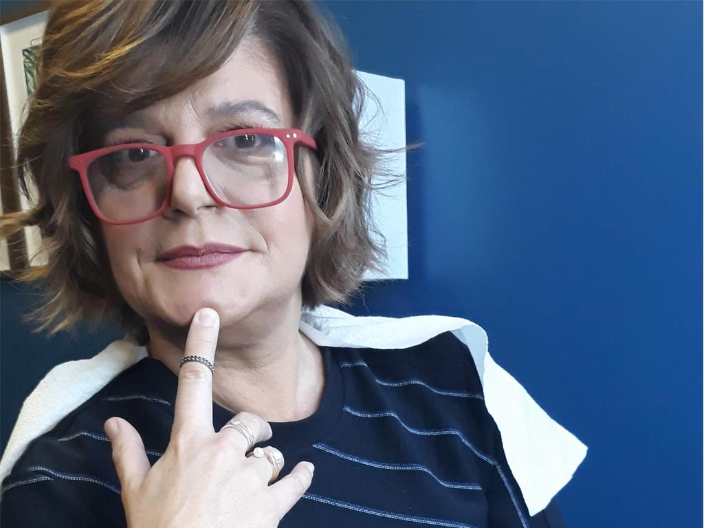 Júlia Pinheiro deixei de arranjar as mãos