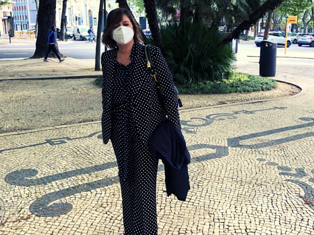 Julia Pinheiro, vestida por Herrera (fato oferecido por Manuel Luís Goucha)